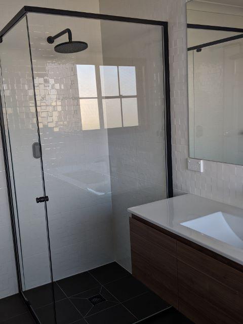 O'Malley - Main Bathroom A W