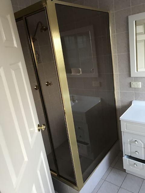 O'Malley - Main Bathroom B W